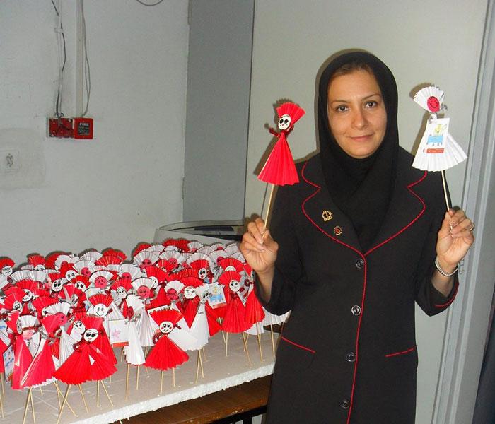 فروش عروسك هاي كاغذي به قيمت مهرياني  در دانشگاه صنعتي شيراز