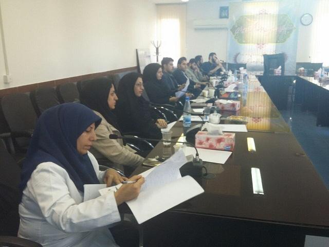 جلسه آموزشی دانشجویان پزشکی شرکت کننده در اردوهای جهادی در لرستان